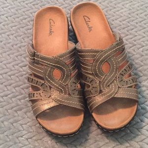 Clark's Metallic Leather Sandals Size 7.5